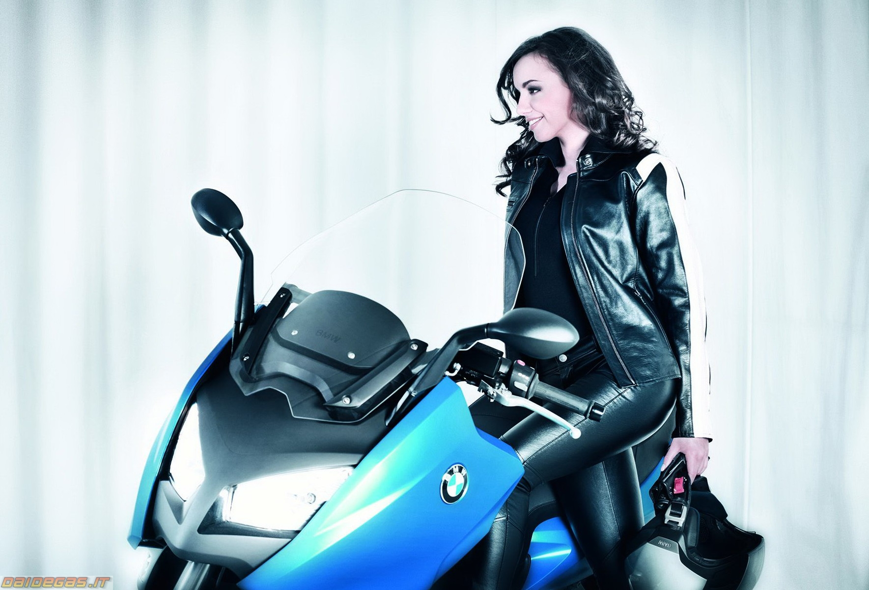 Bmw C600 – ridin girl – 01