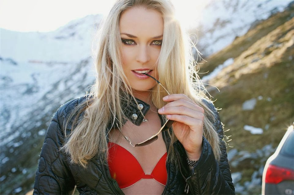 Sexy Lindsey Vonn Ridingirls