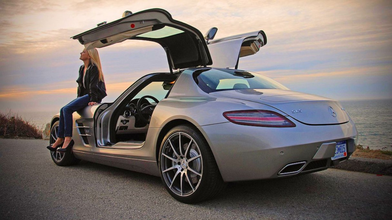 Mercedes-Benz SLS AMG on Ridn'Girls Blog