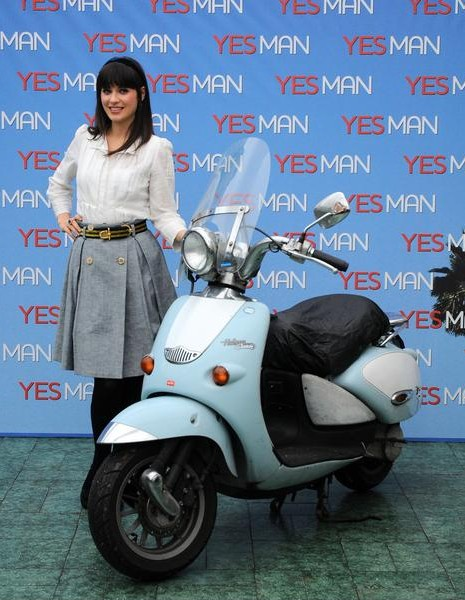 Zoey Deschanel on Ridin'Girls Blog